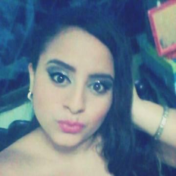 Estefany Lino Veas, 23, Guayaquil, Ecuador