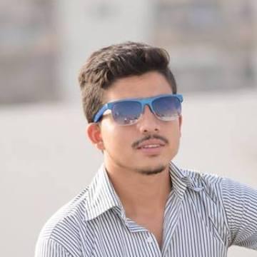 xadi, 21, Karachi, Pakistan