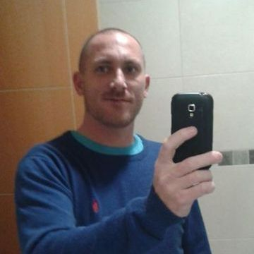 Enrique Lopez Lopez, 39, Malaga, Spain