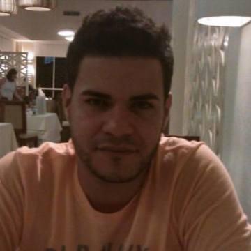 Johnathan Rodriguez, 32, New York, United States