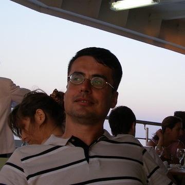 Mustafa, 40, Istanbul, Turkey