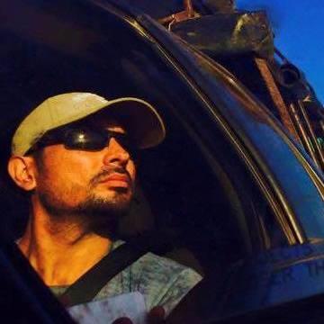 Bernardo Vidal, 37, Cali, Colombia