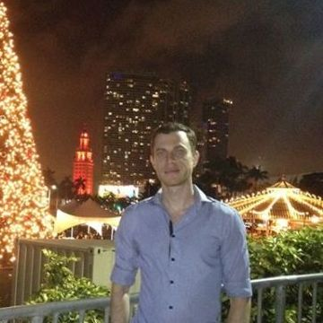 Alex Krovitzki, 31, Miami, United States