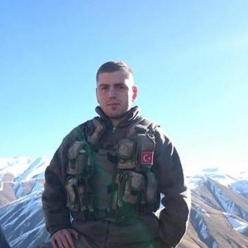 Erdem, 24, Kocaeli, Turkey