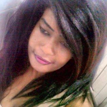 Rihana, 31, Cairo, Egypt