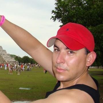Gustavo, 46, Mountain View, United States