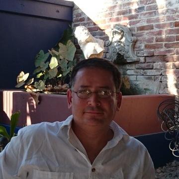 Alan Bojorquez, 47, San Jose Del Cabo, Mexico