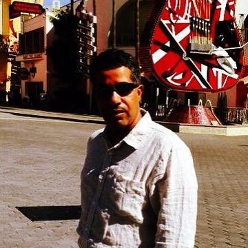 Aziz, 38, Dammam, Saudi Arabia