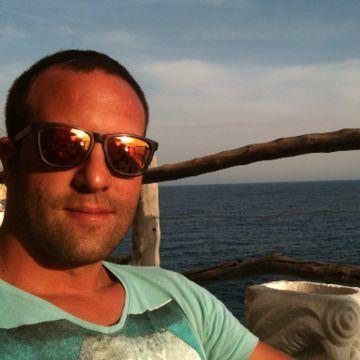 Andreu, 38, Reus, Spain