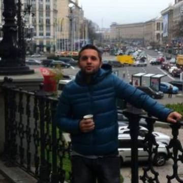 Aret Arevyan, 36, Istanbul, Turkey