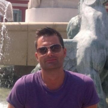 Duga, 34, Bergamo, Italy
