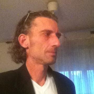 Roberto Azzoni, 49, Milano, Italy