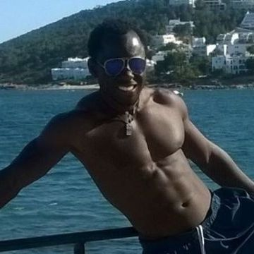 Reylatic Latic, 36, Barcelona, Spain