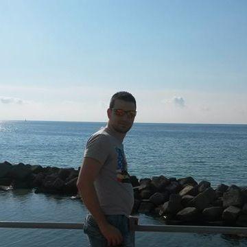 Massimo Maximo, 31, Cosenza, Italy