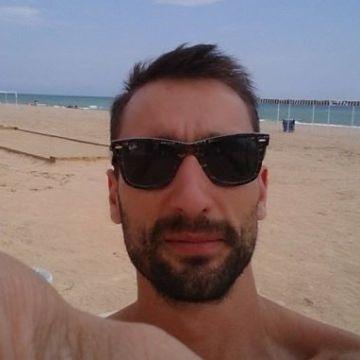 Miquel Esteban, 35, Barcelona, Spain