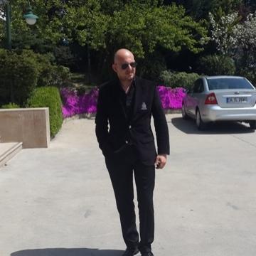 TC Hakan Genç, 41, Istanbul, Turkey