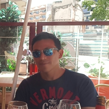 Robin Tueros, 36, Blanes, Spain