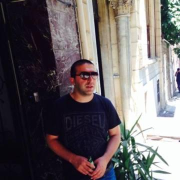Erdin, 32, Istanbul, Turkey