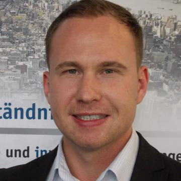 Dmitry Savinskiy, 31, Augsburg, Germany
