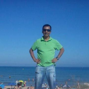 German Edu Gonzales, 52, Barcelona, Spain