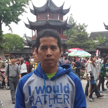 Suratman Rahman, 39, Batam, Indonesia