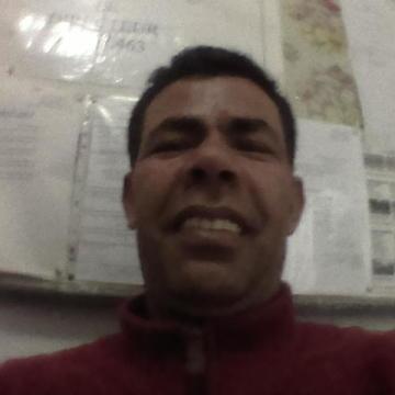 Hamed Bennaser Benabdelmalek, 44, Tunis, Tunisia