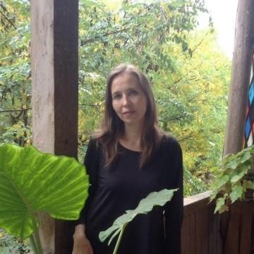Tini, 45, Tbilisi, Georgia