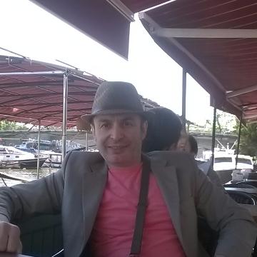 Taşkın Erdinç, 49, Istanbul, Turkey