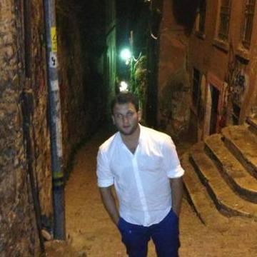ünsal, 33, Istanbul, Turkey