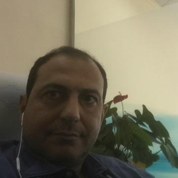 Tee, 37, Dubai, United Arab Emirates
