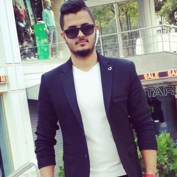 Hamza Ahmed, 23, Istanbul, Turkey