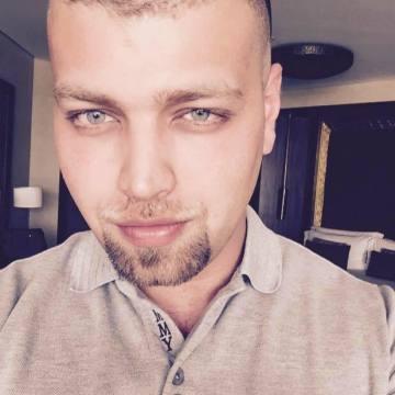 Russy Mujahed, 29, Dubai, United Arab Emirates