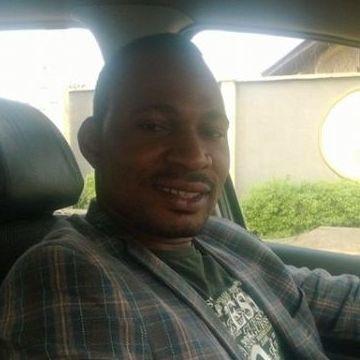 Dominate Olu, 34, Bologna, Italy