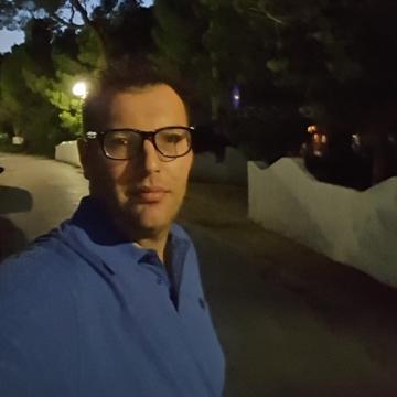 Salvatore, 35, Manfredonia, Italy