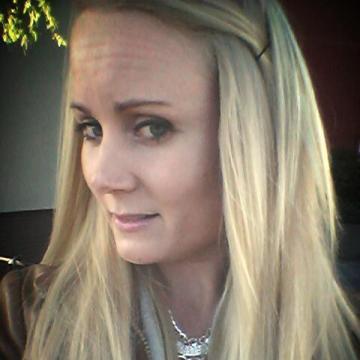 Emma, 28, Malmo, Sweden