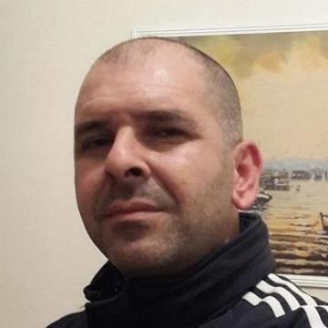 Mahir Kamışlı, 39, Istanbul, Turkey
