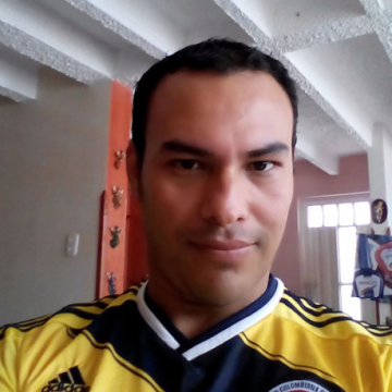 Sergiño Navarrete, 34, Bucaramanga, Colombia