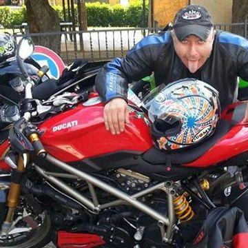 Martino , 39, Parma, Italy