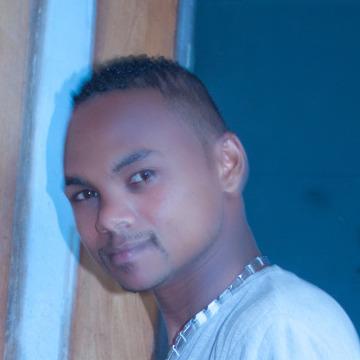 Claudio Zl, 25, Tamatave, Madagascar