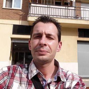 Valenti Serradell Piñol, 38, Barcelona, Spain