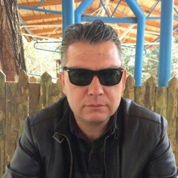 Ali Tandogan, 45, Kocaeli, Turkey