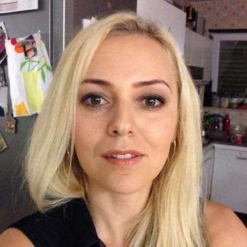 Elena, 33, Pforzheim, Germany