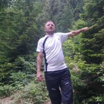 Ali Hasanoglu, 36, Rize, Turkey