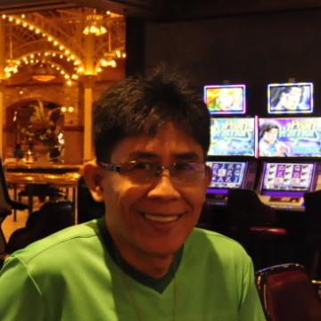 Banie Tingson, 56, Padang, Indonesia