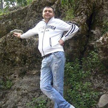 Vasja Tamarskuy, 35, Milano, Italy