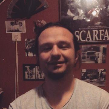 Osman Yücesoy, 36, Izmir, Turkey