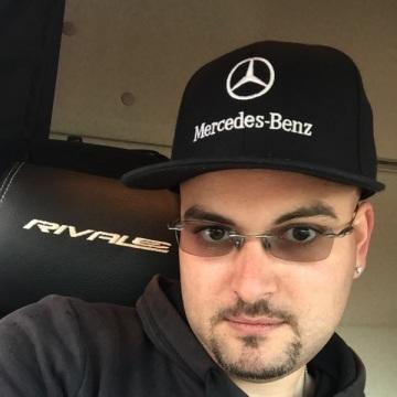 Dani Guazzetti, 29, Rimini, Italy