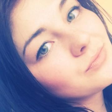 Julia, 21, Mariupol, Ukraine