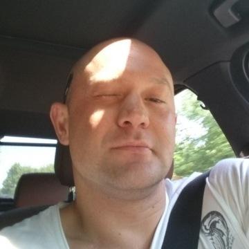 Egor Krause , 32, Bonn, Germany