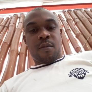 Nanalisous, 34, Lagos, Nigeria